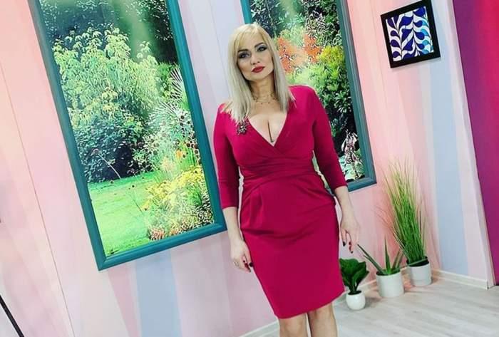 cristina cioran in rochie rosie