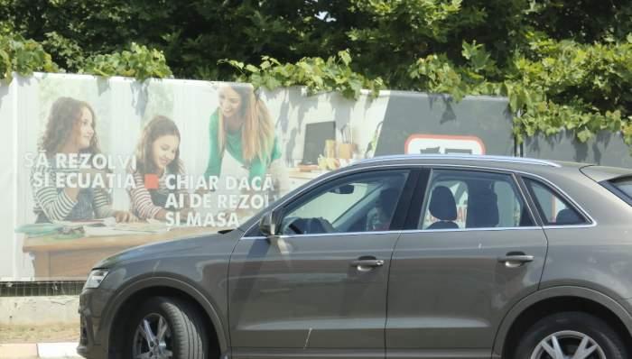Imagini unice cu prima soție a lui Ștefan Bănică Junior! Camelia Constantinescu conduce mașina fiului său, Radu / PAPARAZZI