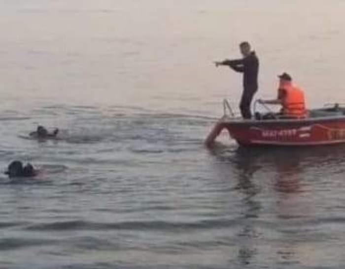 """Tânărul de 21 de ani dispărut pe Dunăre după accidentul naval de ieri a fost găsit mort: """"Nu știa să înoate, ceilalți se țineau de barcă"""""""