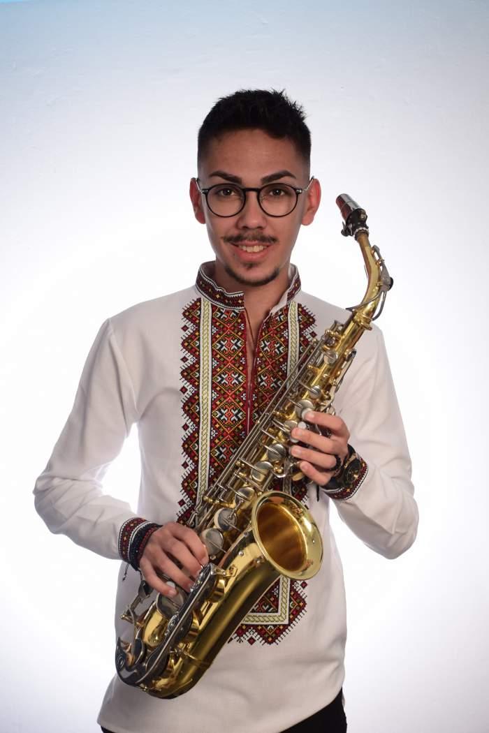 Armin Nicoară, cu saxofonul în mână