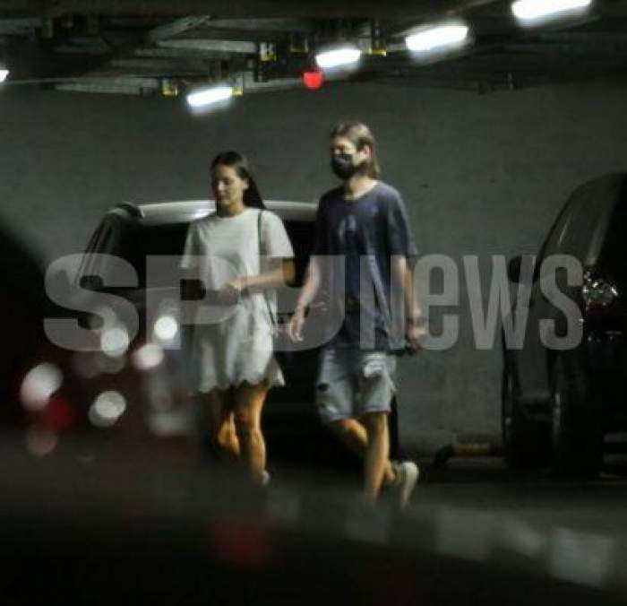 Alex Mațaev și ALexandra Dragnea, în parcarea unui mall