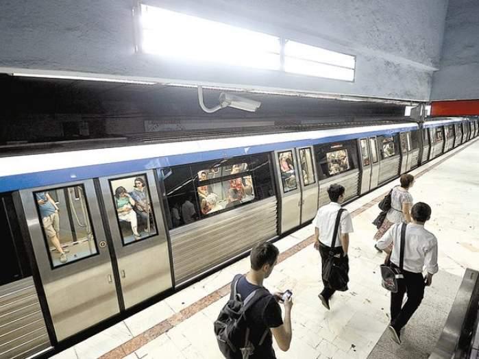 Nou sistem de taxare la metrou! Călătorii care au abonamente vor beneficia de carduri contactless