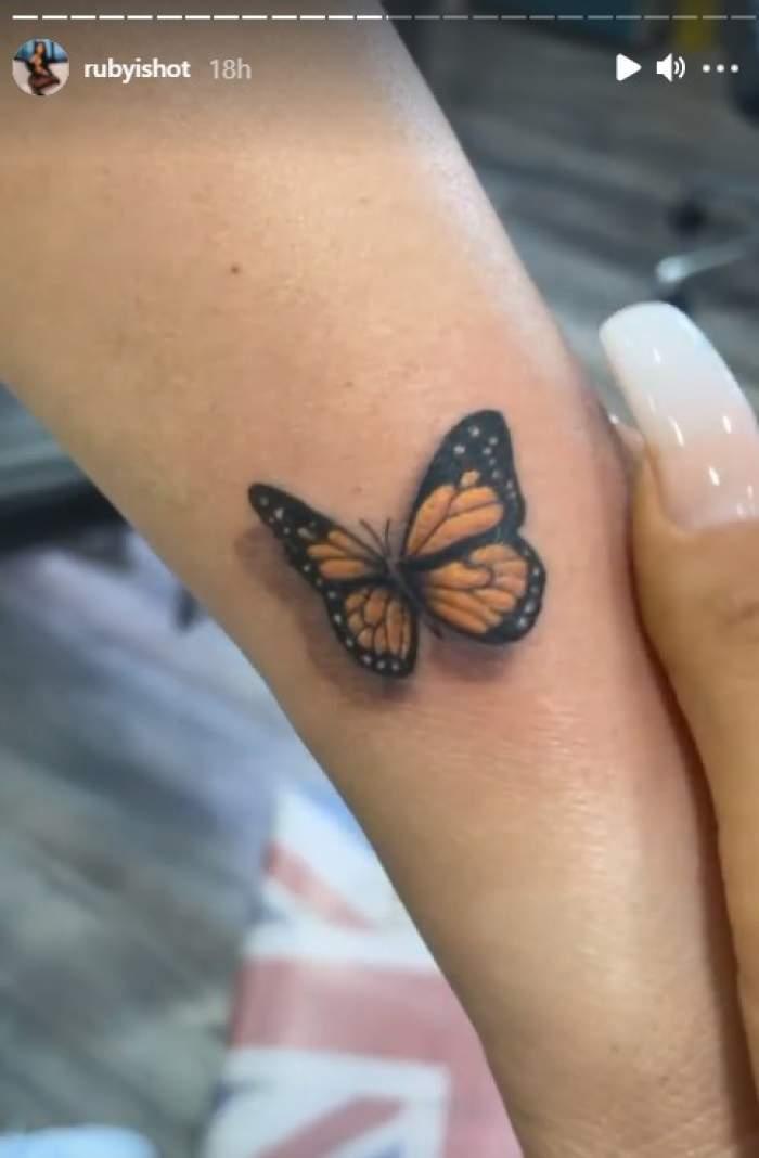 """Ruby și-a dus mama la tatuator. Ce a ales femeia să aibă pentru totdeauna pe piele: """"Zici că zboară"""" / FOTO"""