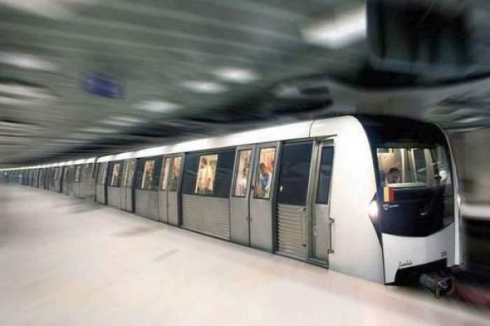 Un metrou care intra in statie