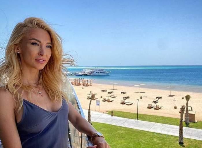 Andreea Bălan, pe balcon, la mare