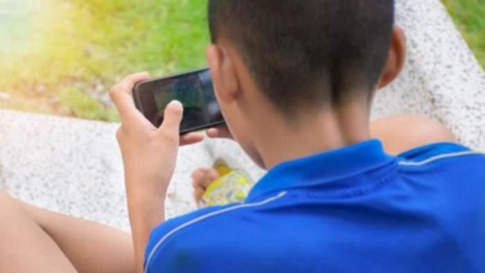 Un copil de 9 ani din Suceava a ajuns mai mult mort decât viu la spital, după ce a încercat un nou trend de pe YouTube