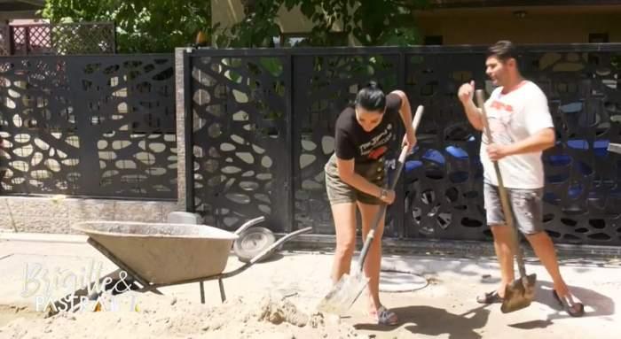 Brigitte, din vacanțe luxoase... la lopată. Vedeta are grijă de casă și nu se dă înapoi de la muncă de bărbat / VIDEO
