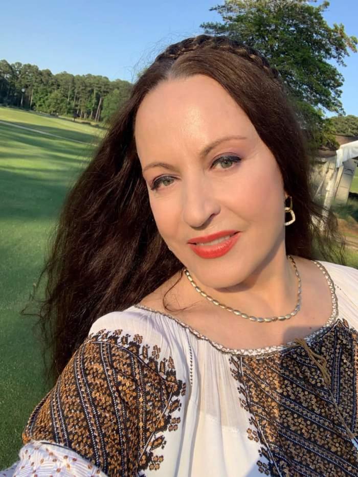 Maria Dragomiroiu, declarații exclusive la Antena Stars despre ritualurile sale de frumusețe. Cum își îngrijește părul extrem de lung / VIDEO