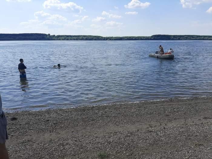 Adolescent de 17 ani, găsit fără suflare în apele Dunării. Băiatul fusese dat dispărut de 24 de ore