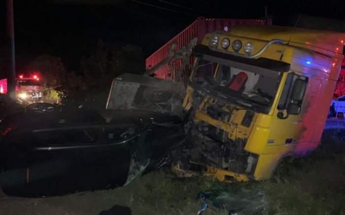 Mașini distruse în urma unui accident