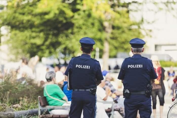 doi polițiști germani
