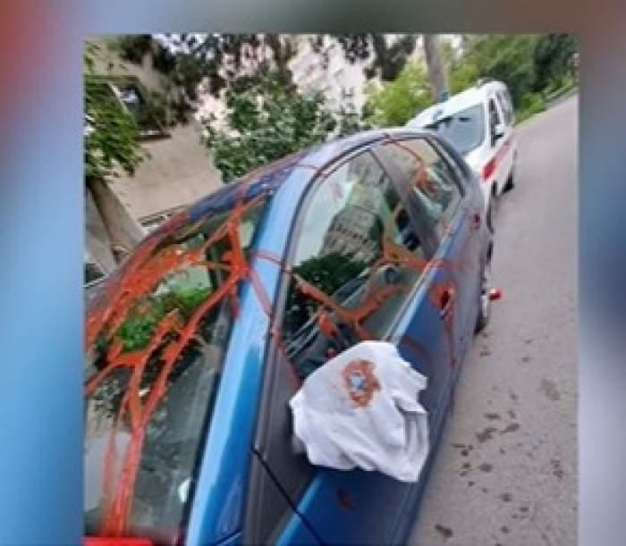 Mașină mânjită cu ketchup de amanta furioasă, în Cluj. Ce mesaj a lăsat femeia după ce s-a răzbunat