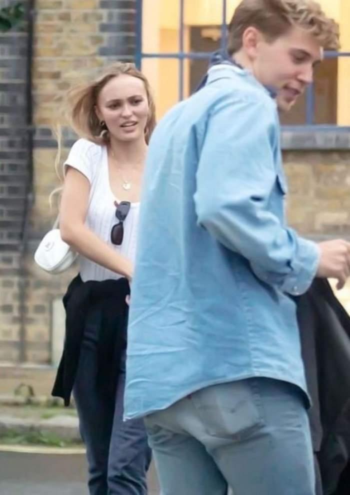 Fiica lui Johnny Depp, sărut pătimaș cu un actor celebru. Lily Rose și fostul iubit al Vanessei Hudgens sunt de nedespărțit / FOTO