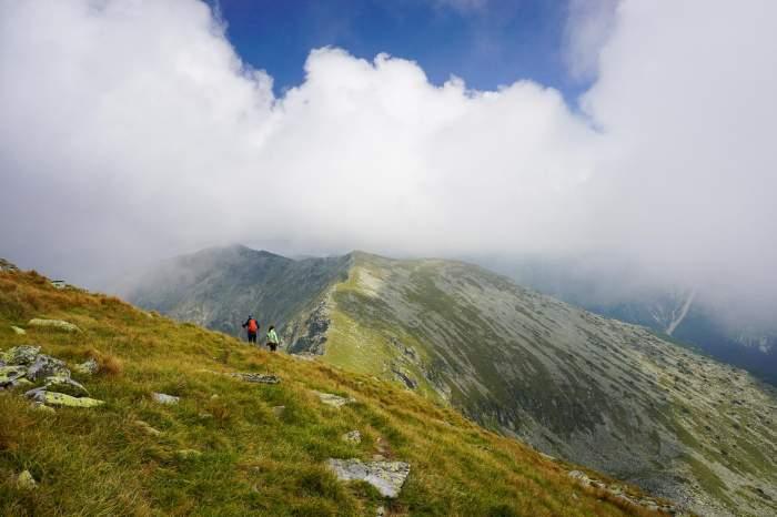 Scenă terifiantă într-o regiune montană din Franța! Un copil de 12 ani a murit, după ce a căzut în gol de la peste 180 de metri