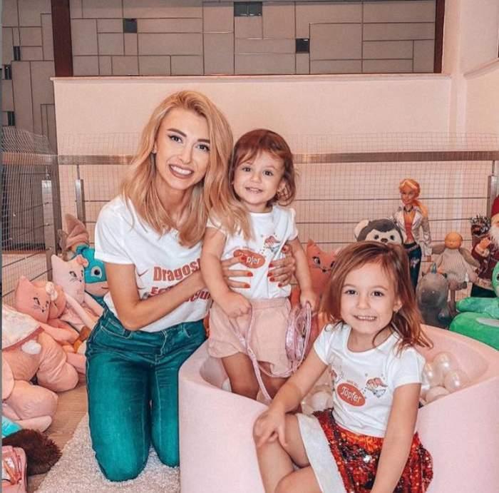 Andreea Bălan alături de fiicele sale