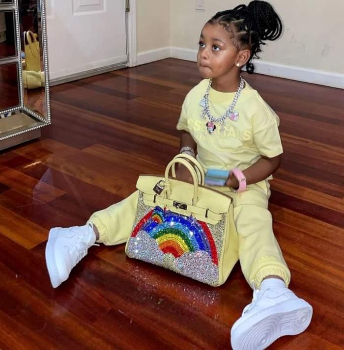 Cardi B, cadou de aproape 50.000 de dolari pentru fiica sa. Cum arată geanta făcută pe comandă pentru micuță / FOTO
