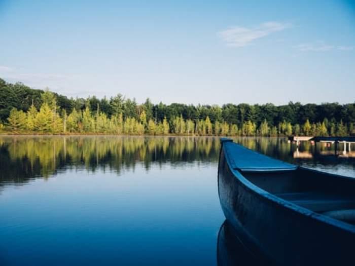Român găsit mort într-un lac din Italia. Tragedia s-a întâmplat în urma unui pariu făcut la beție