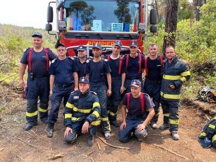 pompierii s-au intors in tara