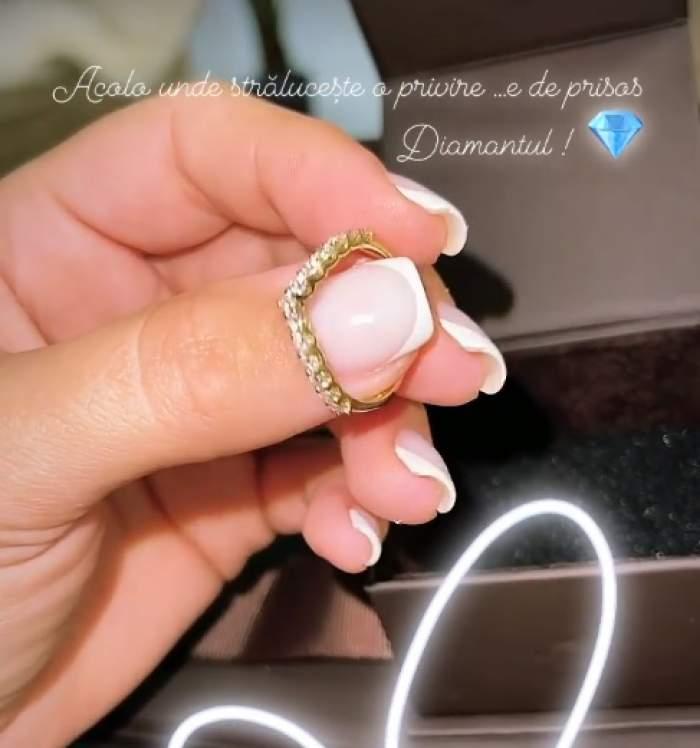 """Carmen de la Sălciua s-a logodit?! Interpreta de muzică populară s-a afișat cu inelul pe deget: """"Acolo unde strălucește..."""" / FOTO"""