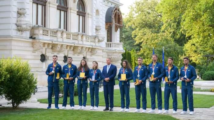 Klaus Iohannis alături de medaliații de la Tokyo