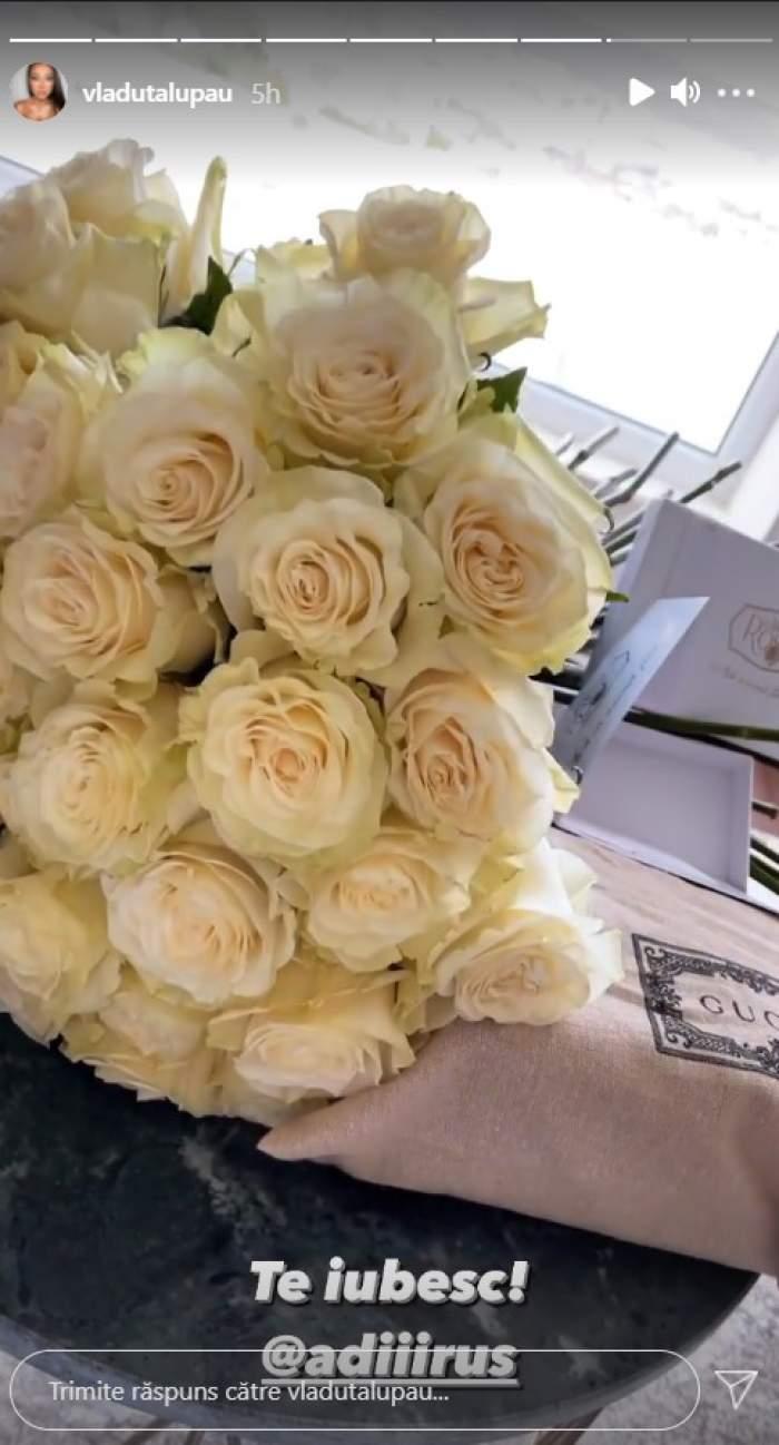 Vlăduța Lupău, așteptată de soț cu flori și cadouri de lux. Artista le-a arătat fanilor cum o răsfață Adi Rus / FOTO