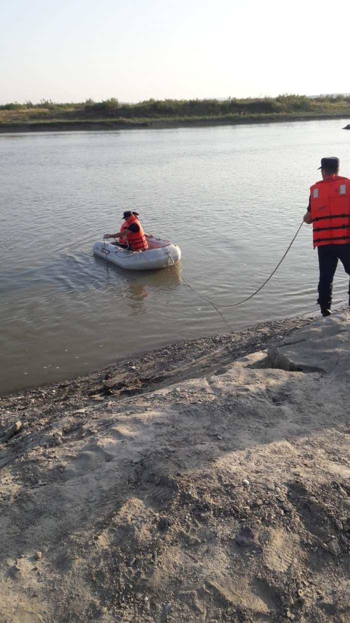 Cine sunt cei cinci adolescenți înecați în Siret, seara trecută. Doi dintre aceștia erau frați