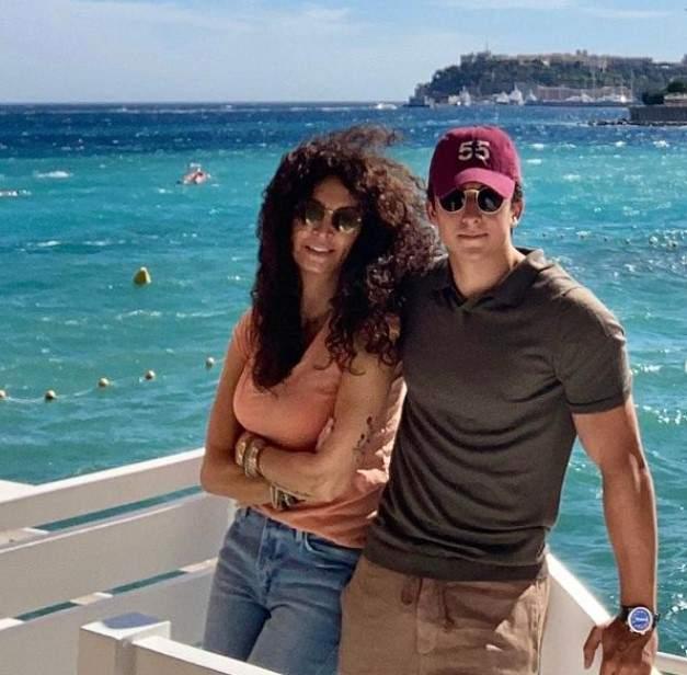 Mihaela Rădulescu, alături de fiul ei Ayan la mare