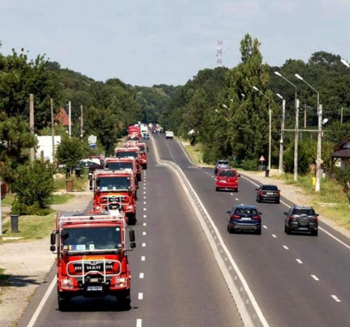 Cei 142 de pompieri români plecați să ajute la stingerea incendiilor au ajuns în Grecia / FOTO