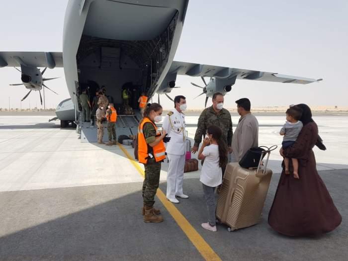 """O româncă refuză să plece din Kabul, spunând că acolo se simte în siguranță: """"Nu sunt semne de agresiune, ba dimpotrivă"""""""