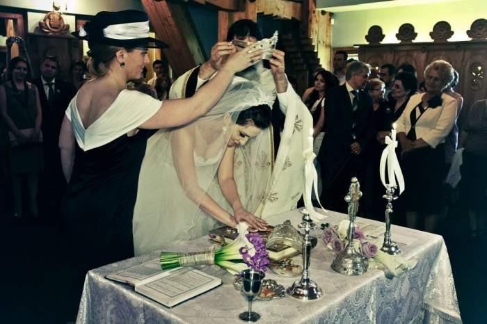 Nașii de cununie necăsătoriți. Poți fi nașde cununie sau de botez dacănu ești căsătorit?