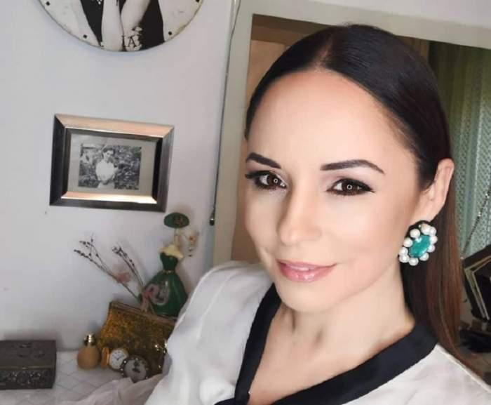 Andreea Marin, fotografie în cameră