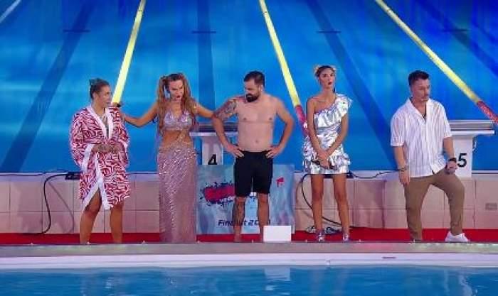 Emy Alupei și Cătălin Rizea pe podium alături de cei trei prezentatori