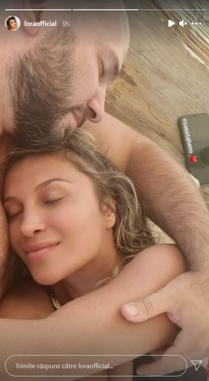 Lora, ghemuită în brațele iubitului ei, Ionuț Ghenu. Ipostaza intimă în care s-au fotografiat cei doi / FOTO