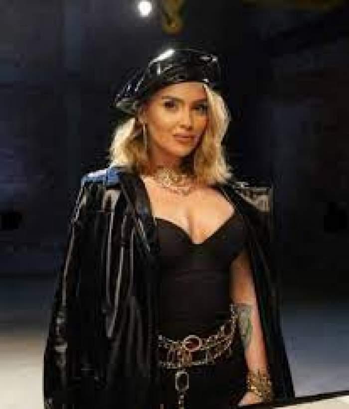 Oana Radu, îmbrăcată toată în negru