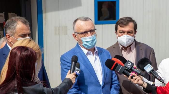 """""""Masca, obligatorie şi la exterior în prima zi de şcoală"""". Ministrul Educației, Sorin Cîmpeanu, anunț de ultimă oră"""