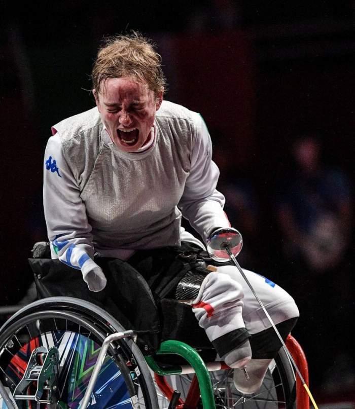 Povestea impresionantă a lui Beatrice Vio, câștigătoarea aurului la Jocurile Paralimpice. Tânăra practică scrima, deși nu are mâini și picioare