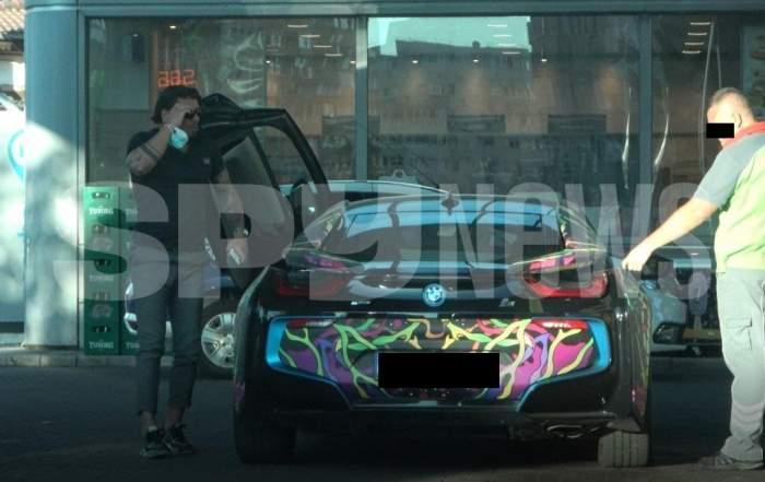 Iubitul Andei Adam are bani grămadă, dar se laudă cu mașina artistei. Afaceristul clujean a etalat bolidul în fața prietenilor / PAPARAZZI
