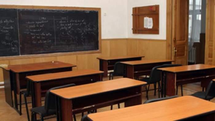 """Elevii din România ar putea fi vaccinați împotriva coronavirusului chiar în unitățile școlare: """"Acolo unde e posibil, vrem să organizăm cabinete"""""""