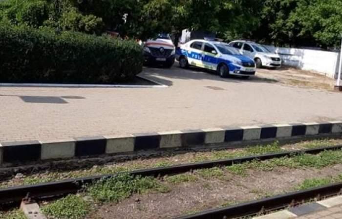 Mașina de poliție de la locul faptei