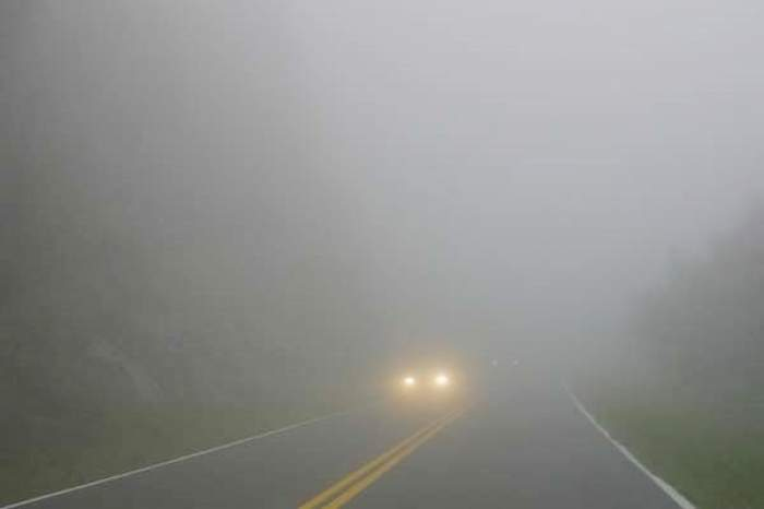 Anunț de ultimă oră de la ANM! Cod galben de ceață pentru mai multe zone din țară. Viteza este redusă considerabil