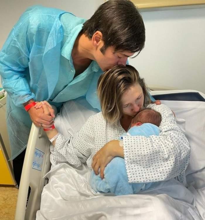 adela popescu si radu valcan si fiul lor la spital