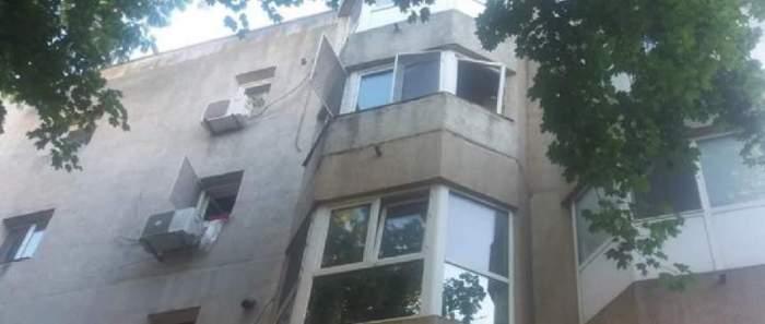 Un bloc în care a avut loc o explozie