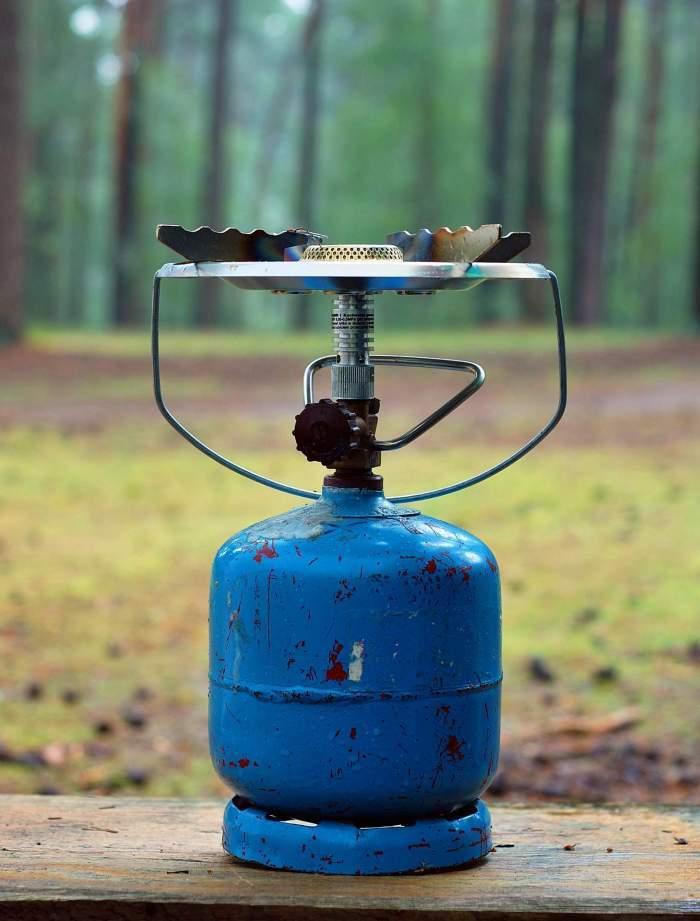 O butelie în pădure
