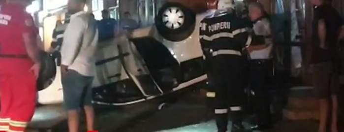 Un tânăr din Paşcani a intrat cu maşina în vitrina unui magazin, deși nu deținea permis de conducere. Bărbatul încerca să facă o glumă proprietarului autoturismului / FOTO