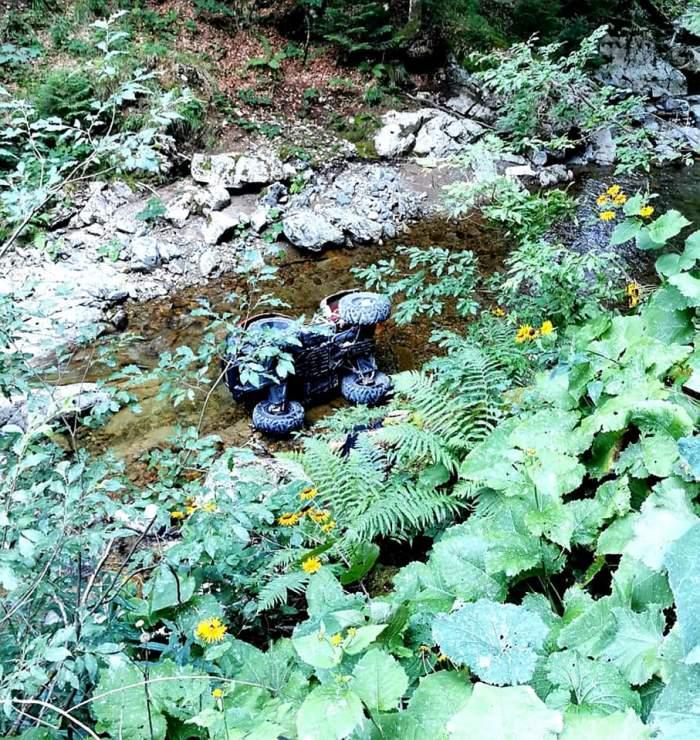 Bărbat mort într-un accident de ATV, în Valea Iadului. Partenera lui a fost transportată cu un elicopter SMURD la spital