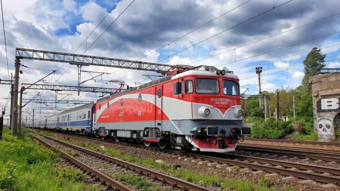Clipe de groază în județul Neamț! Două tinere au suferit arsuri, după ce s-au urcat pe un tren de marfă pentru a-și face poze