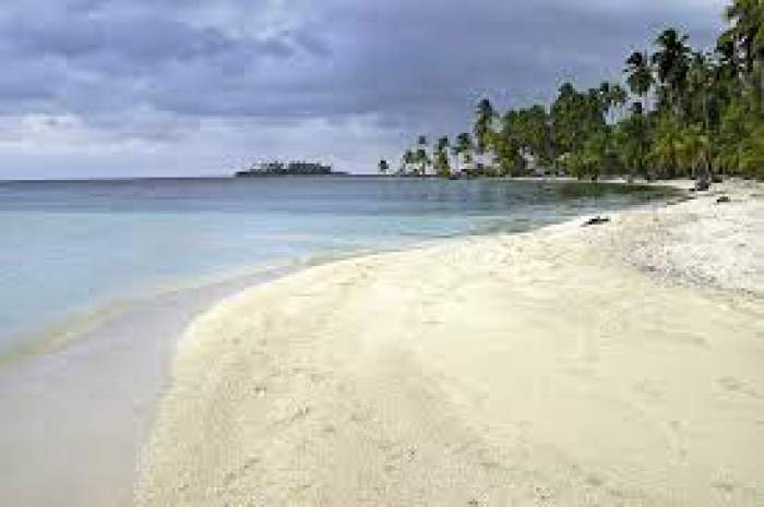 O plajă pustie