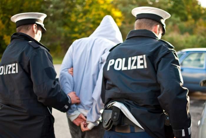 Atac într-un complex rezidențial din Germania. 22 de persoane au fost rănite, după ce un bărbat s-a arătat deranjat de zgomotul făcut de către copii