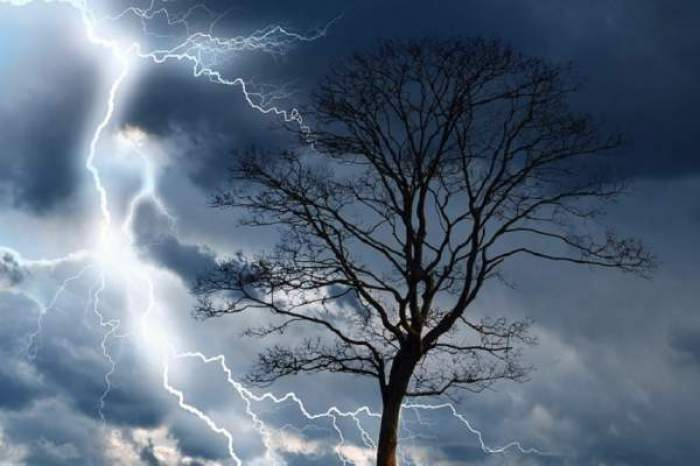 Alertă meteo de vreme severă! ANM anunță ploi torențiale și vijelii ce pot depăși 100 de km/h