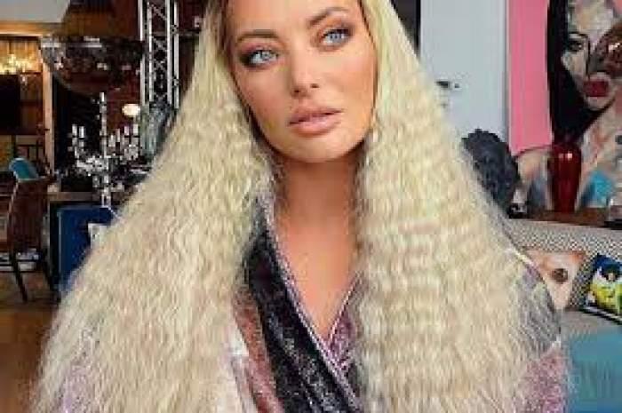 Delia Matche cu părul lung și creț
